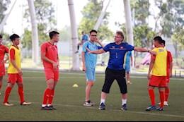 HLV Philippe Troussier hai long voi no luc cua DT U19 Viet Nam