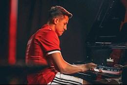VIDEO: Xem lai man doc tau piano an tuong cua Alexis Sanchez