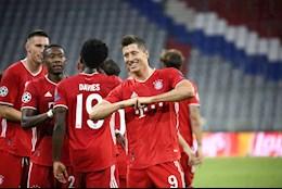 Bung no truoc Chelsea, Lewandowski vao Top 4 chan sut xuat sac nhat C1