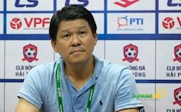HLV Sài Gòn FC động viên thầy trò Kiatisuk sau thất bại ngày ra quân
