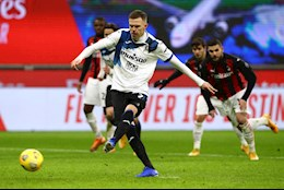 Thua dam Atalanta ngay tai San Siro, AC Milan mong manh tren dinh BXH