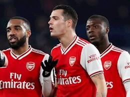 Sao Arsenal huynh đệ tương tàn trên sân tập