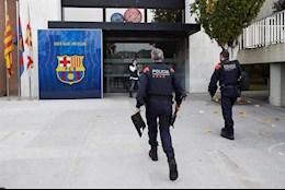 NÓNG: Cảnh sát khám xét trụ sở của Barca