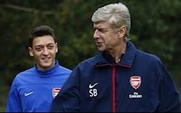Mesut Ozil sắp tái hợp HLV Arsene Wenger