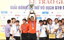 HLV U19 TKS Việt Nam vui mừng sau chức vô địch U19 nữ Quốc gia