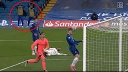 Đến đồng đội cũng không dám tin Werner ghi bàn trước gôn trống