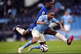 Sterling cay cú vì Man City mất oan penalty trước Chelsea