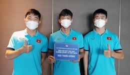 Vừa chiến thắng, ĐT Việt Nam lại có thêm hành động ý nghĩa