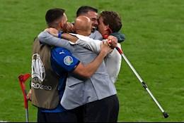 Bài dự thi: Cuối mùa Euro – giọt nước mắt ngọt ngào