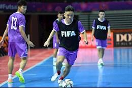 ĐT futsal Việt Nam làm quen với mặt sân chuẩn FIFA trước trận gặp ĐT futsal Brazil