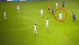 Nửa đội hình PSG đá bóng như troll Messi