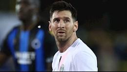 HLV Lyon yêu cầu học trò đá rắn với Messi