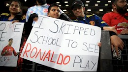 Fan MU trốn học để xem Ronaldo thi đấu